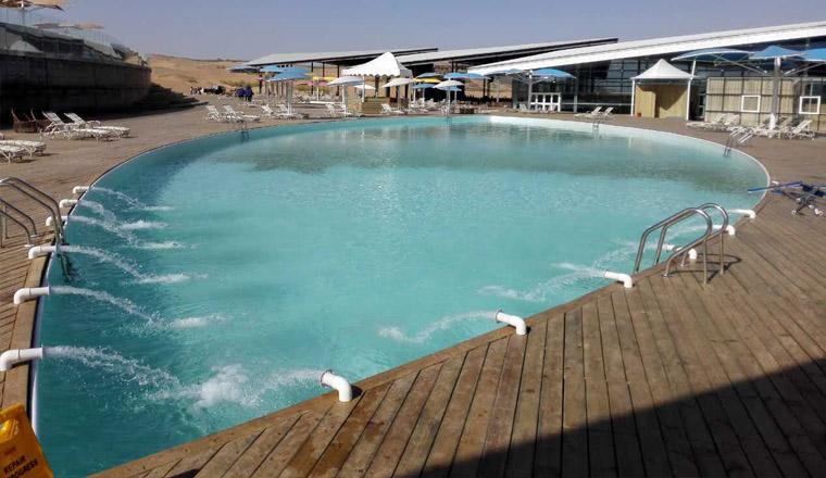 内蒙古响沙湾沙漠度假地沙漠泳池